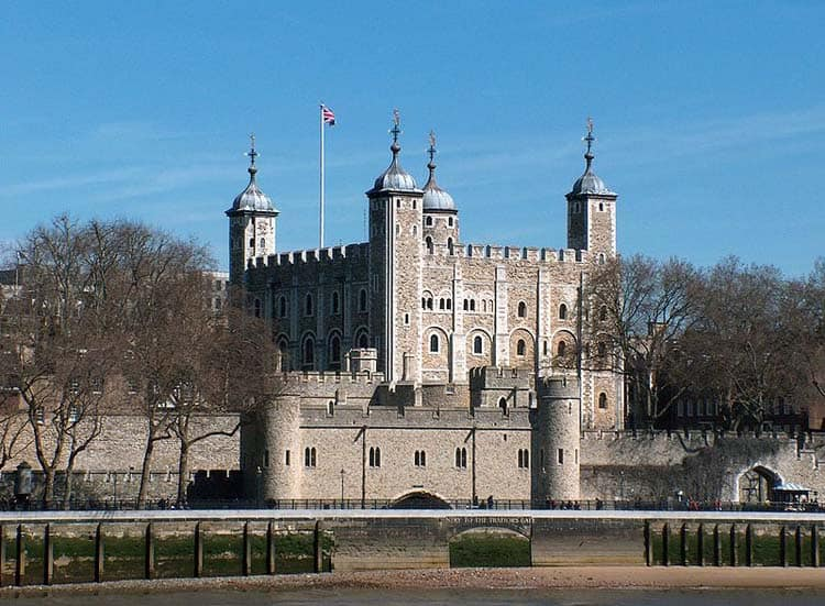 tower of london | famous london landmarks