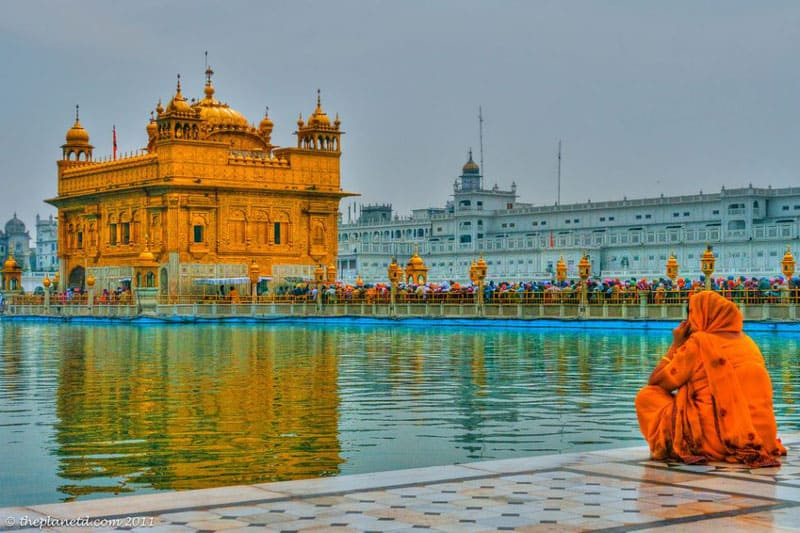 love travel at the golden palace in India