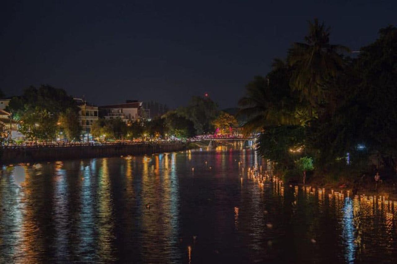 loy krathong on the ping river