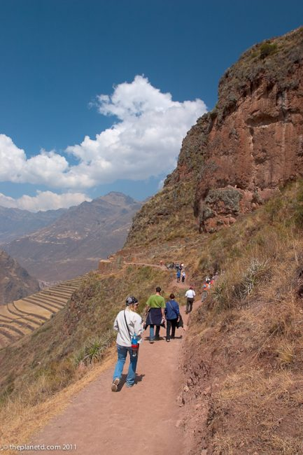 hiking sacred valley peru