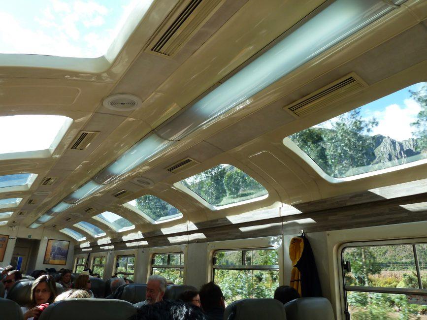 machu-picchu-vista-dome-train-by-peru-rail