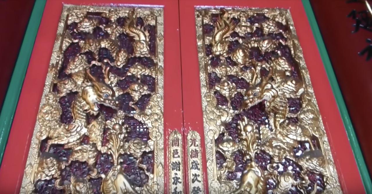 doors of man mo temple