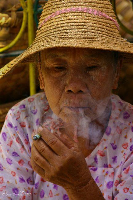 market-myanmar-burma-woman-smoking-XL