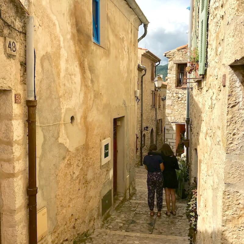 medievel french villages saint agnes alleyways