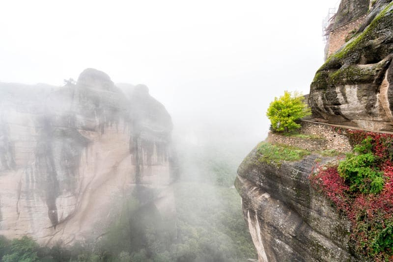 fog sets in meteora greece