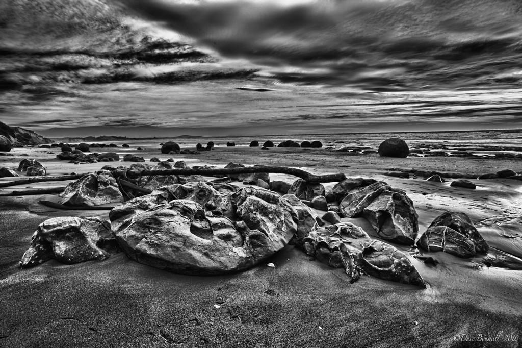 boulders moeraki