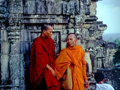 monks-angkor-wat-cambodia.jpg