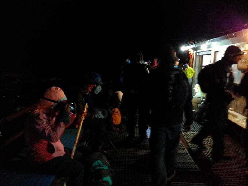 mount fuji climbing tour summit at 2 am