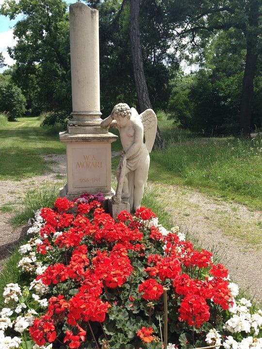 vienna attractions mozarts tomb