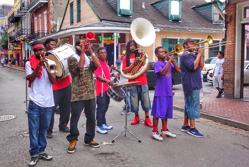 new orleans street performance