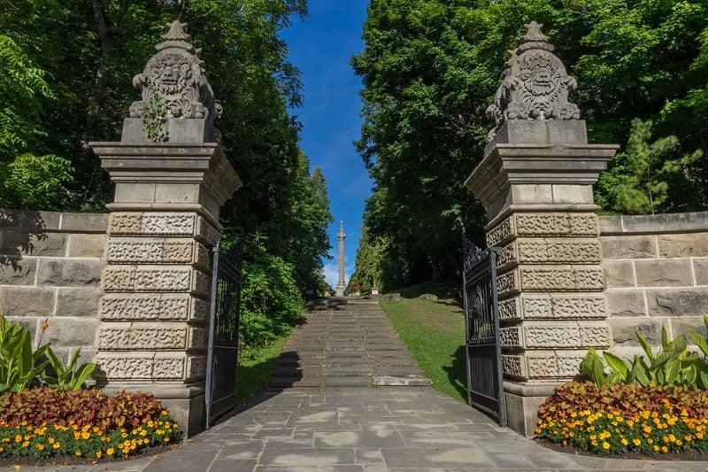 niagara falls road trip gates