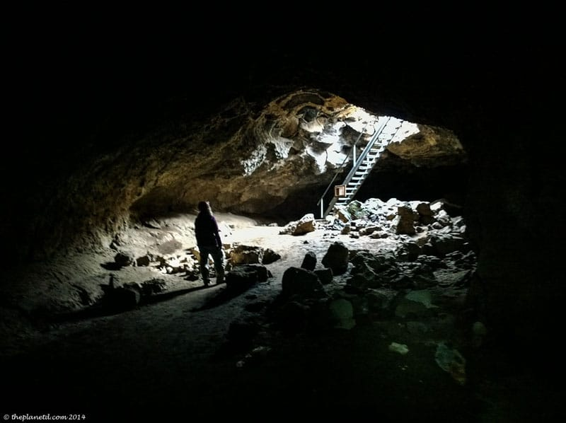 oregon lava tubes darkness