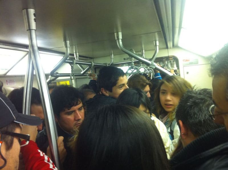 travel scams packed metro