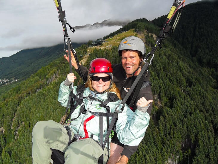 paragliding over queensotwn what to do in new zealand