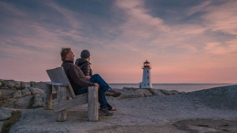 peggys cove lighthouse couple