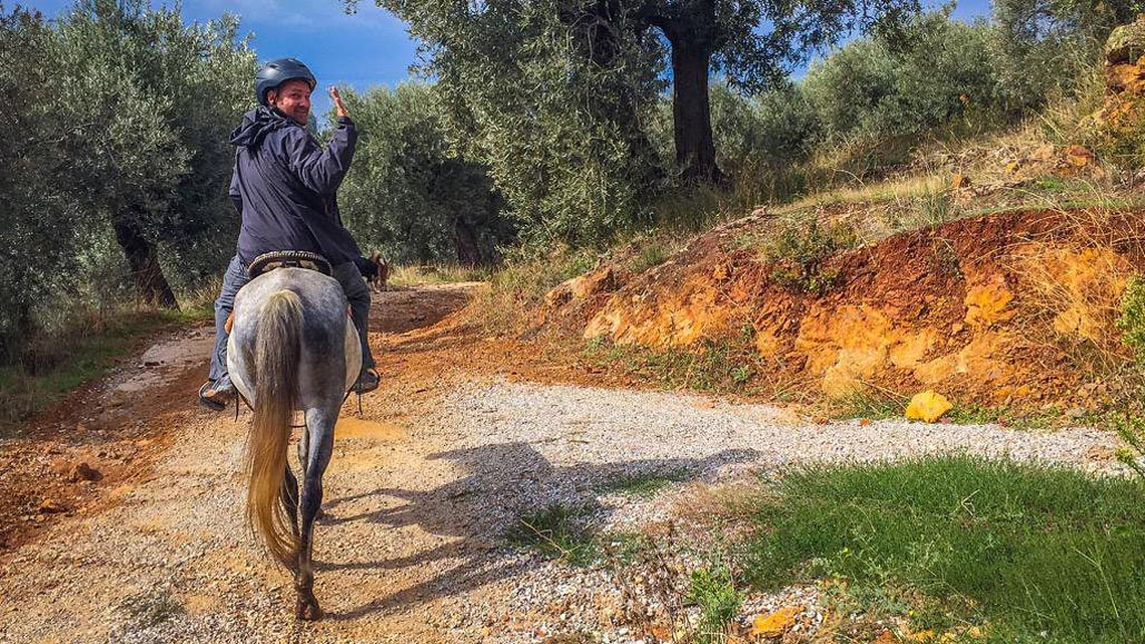 horseback riding in pelion