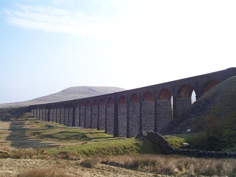 pennine way viaduct