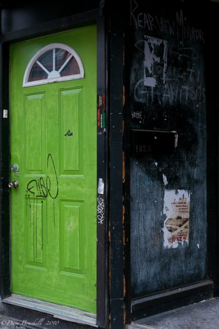photography tour kensington market door