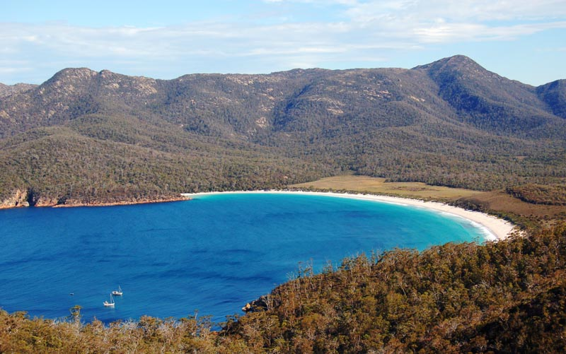places to visit australia | wine glass bay