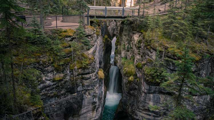 things to do in central alberta canada | malign canyon hike