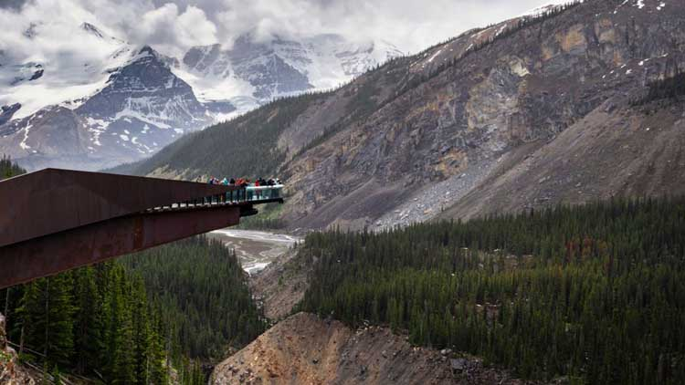 things to do in alberta | icefields skywalk