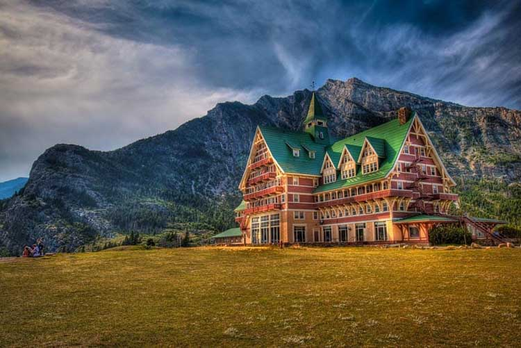 unique places to stay in alberta | waterton lakes national park hotel