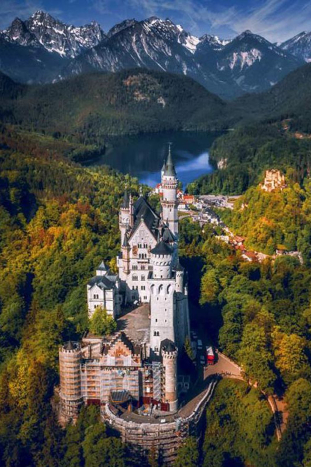 beautiful places to visit in Europe newschwanstein castle germany
