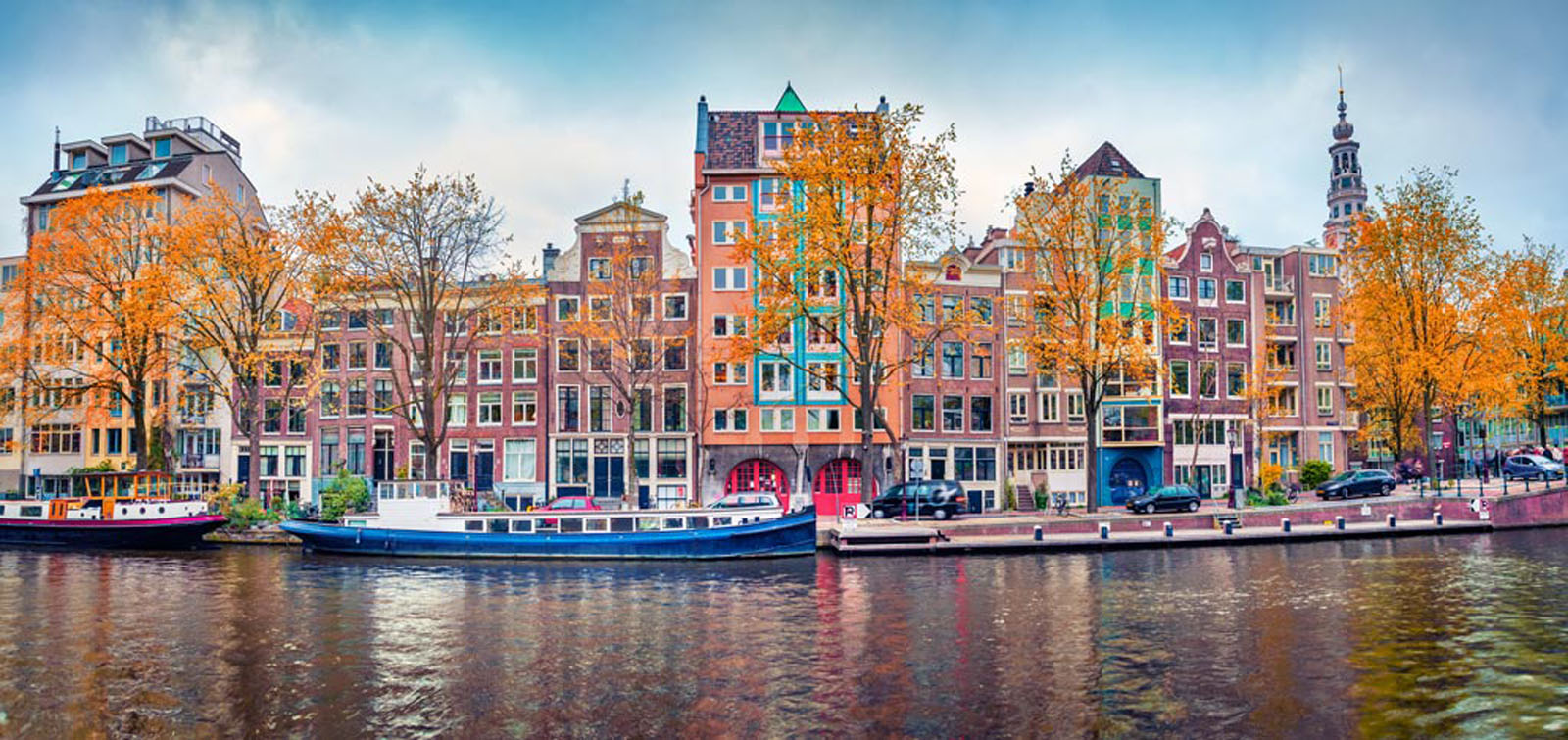 amsterdam canals is a must visit in europe