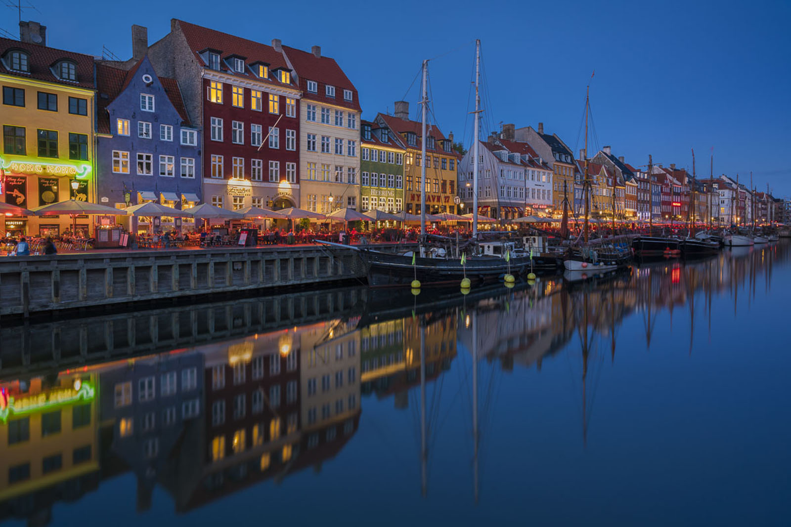 beautiful europe copenhagen canal at night