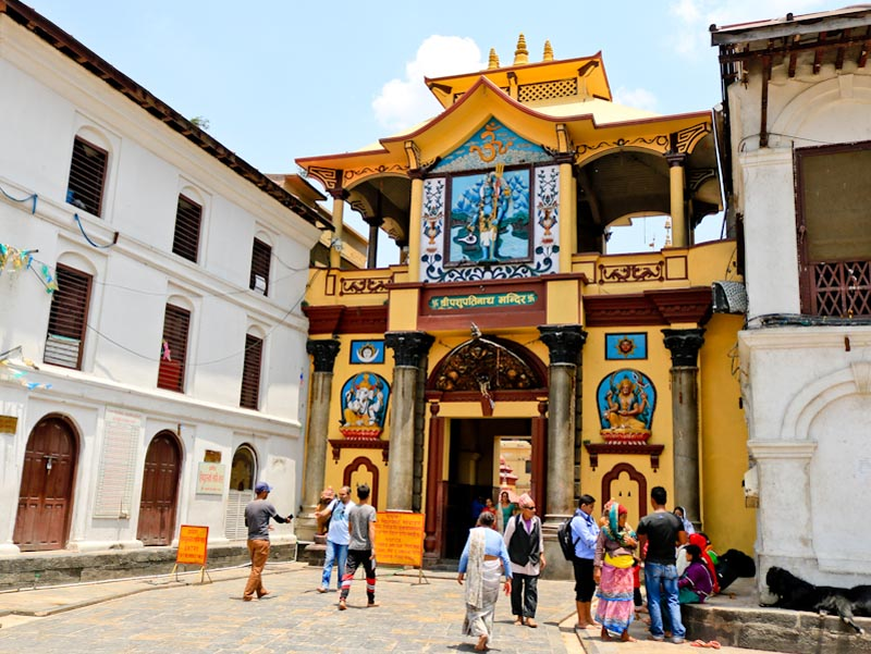 things to do in kathmandu pashupatinath temple