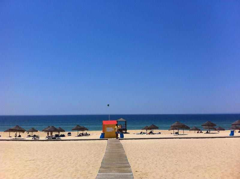 things to do in portugal comorta beach