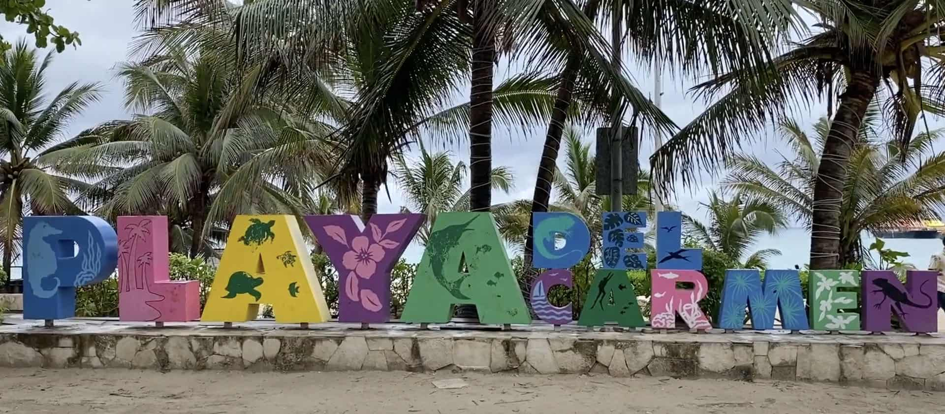 places to visit in yucatan playa del carmen sign
