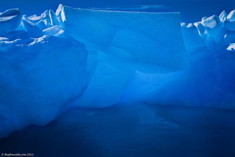 pleneau bay antarctica icebergs