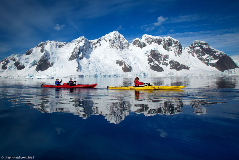 kayaking icebergs antarctica