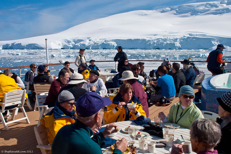 pleneau bay antarctica quark lunch