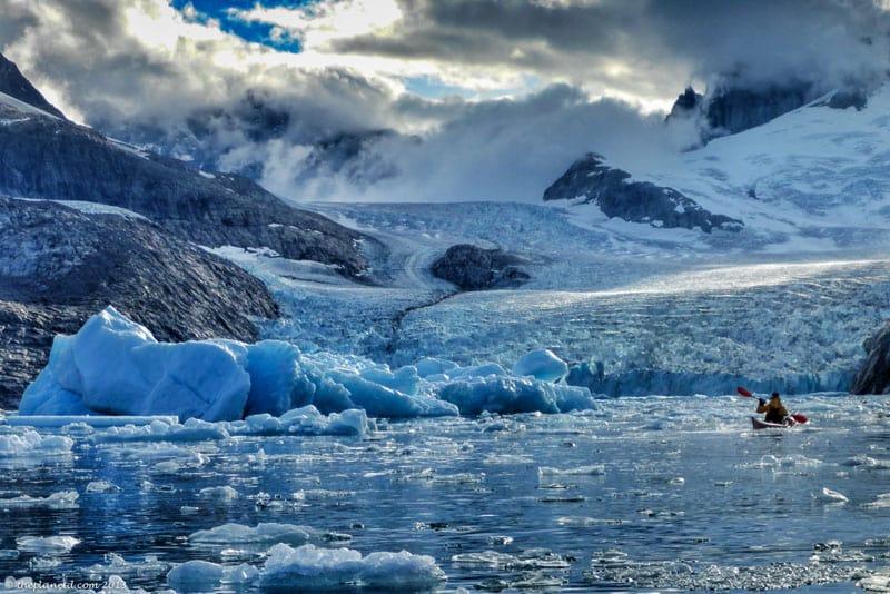 kayak icebergs