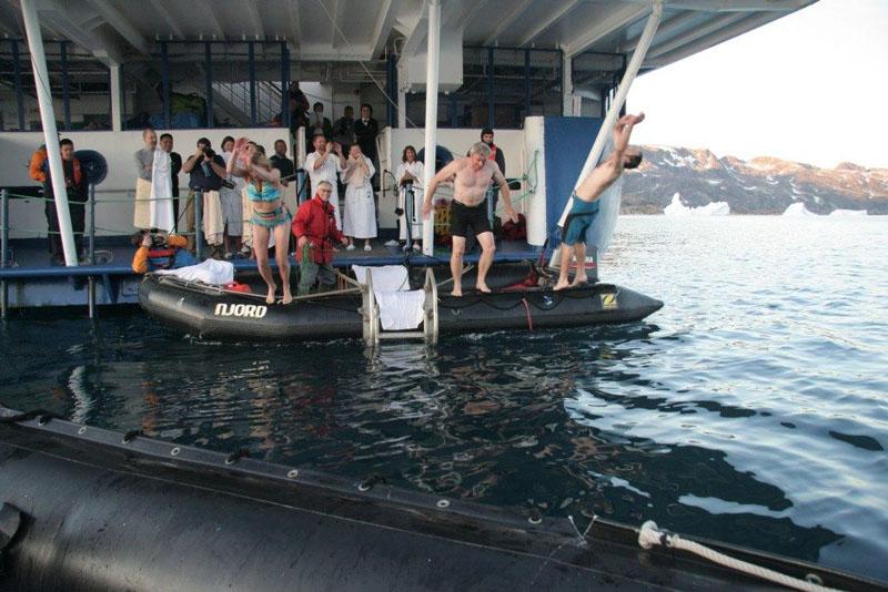 arctic jump boat