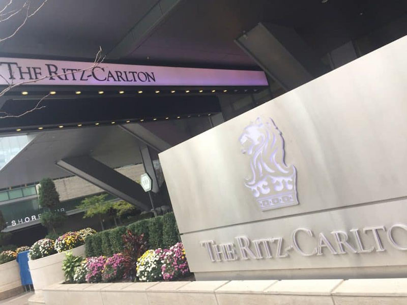 ritz carlton toronto entrance