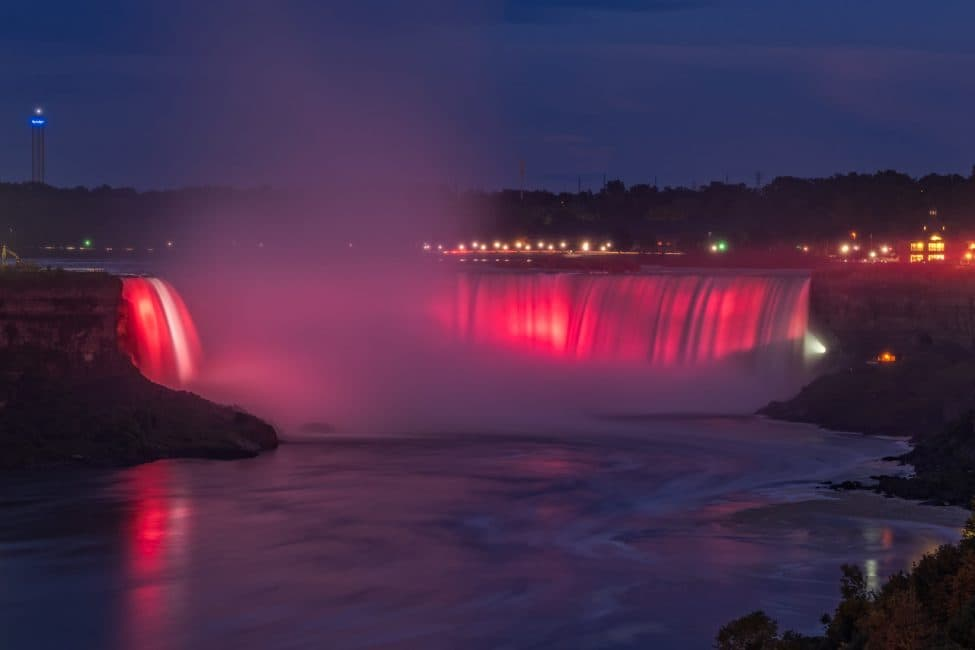 Romance in niagara falls ontario 39 s best weekend getaway for Romantic trips in the us