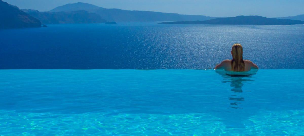 best travel tips luxury in Santorini