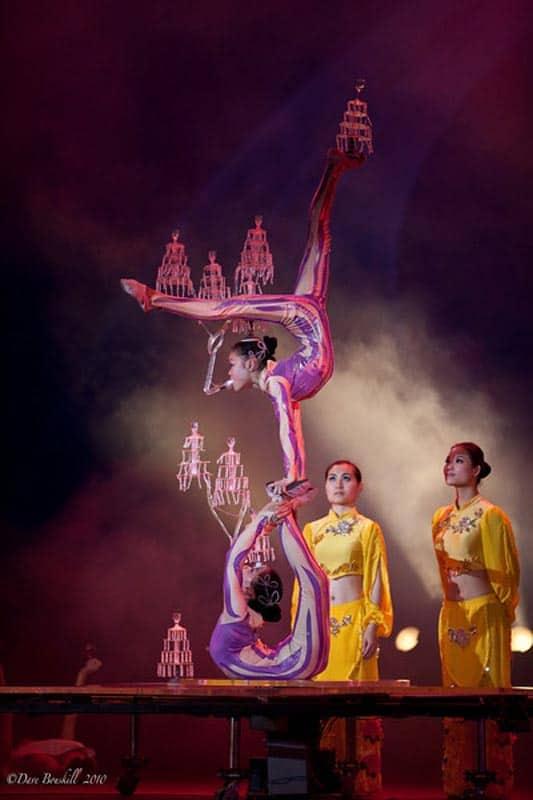 shanghai acrobats show