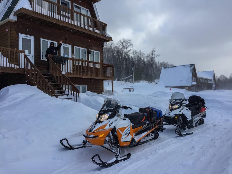 quebec snowmobile trip morning