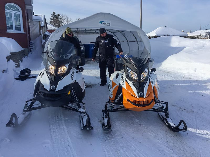 quebec snowmobiling snow machine rentals