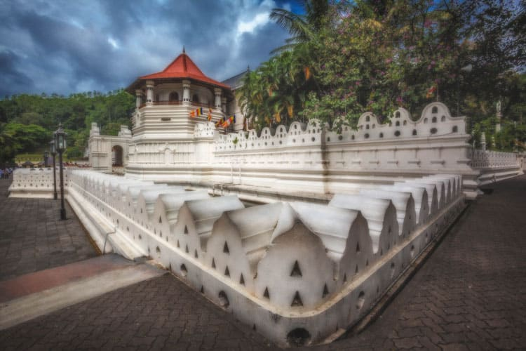 cool places to visit in sri lanka kandy