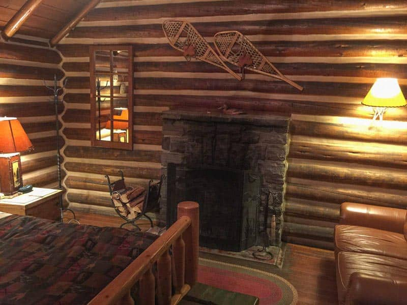 where to stay in alberta