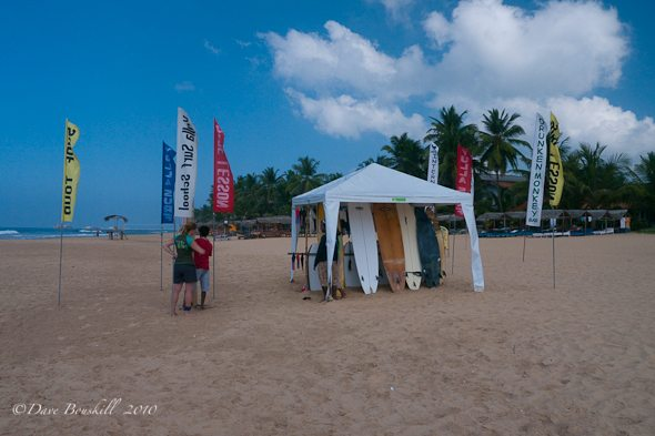 hikkaduwa beach surfing lessons