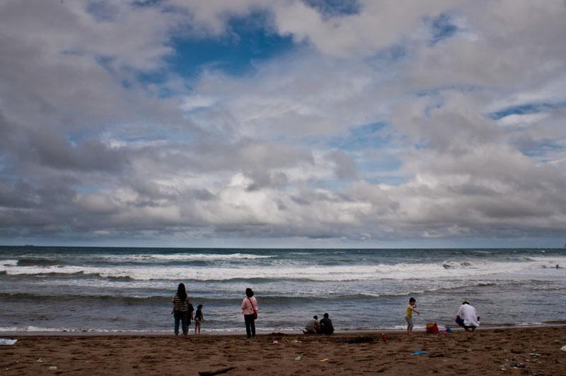 surfing taiwan locals