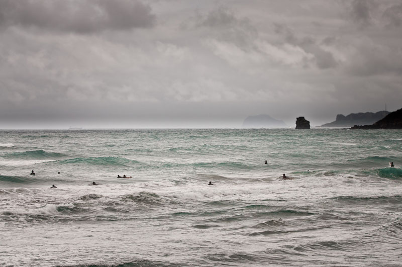 surfing taiwan surfers