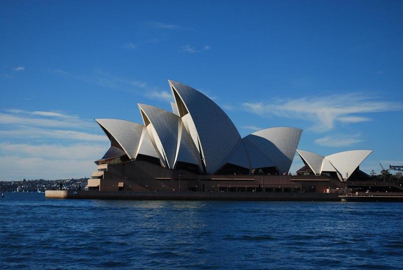aussie stereotypes | sydney opera house