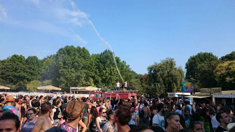 sziget festival crowd